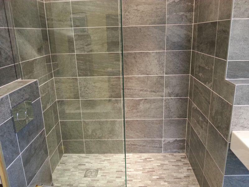 Coordinating Bathroom Floor And Wall Tile : Adaptacije in zaklju na gradbena dela mort osrednja slovenija